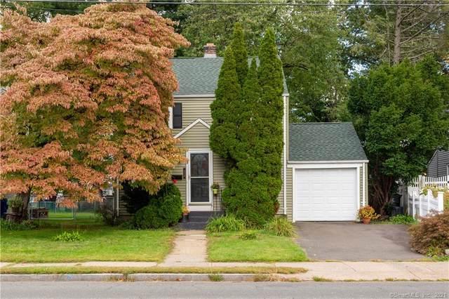 424 Oakwood Avenue, West Hartford, CT 06110 (MLS #170444551) :: Michael & Associates Premium Properties   MAPP TEAM