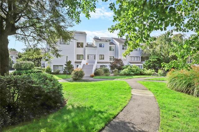 46 Rowayton Woods Drive #46, Norwalk, CT 06854 (MLS #170444636) :: Tim Dent Real Estate Group