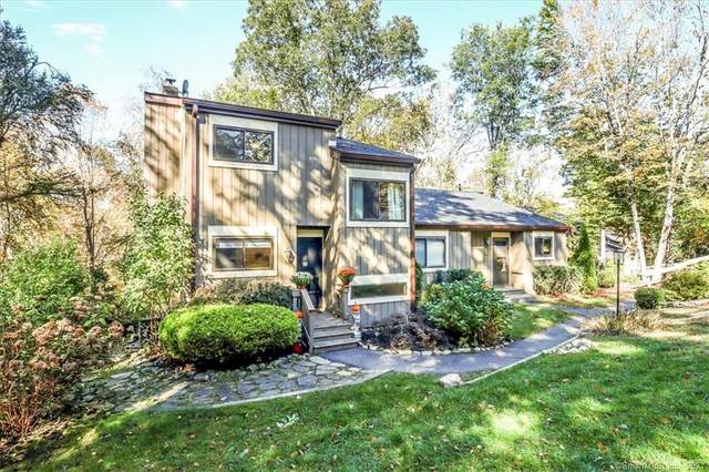 8 Hickory Lane #8, Woodbury, CT 06798 (MLS #170444698) :: Michael & Associates Premium Properties | MAPP TEAM