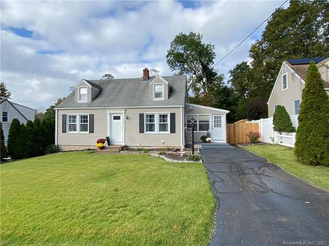 8 Mountain View Terrace, East Haven, CT 06512 (MLS #170444916) :: Chris O. Buswell, dba Options Real Estate