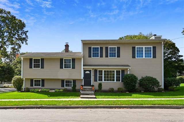 232 Oakwood Drive, Fairfield, CT 06824 (MLS #170445084) :: The Higgins Group - The CT Home Finder