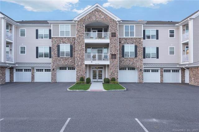 1011 Brookside Court #1011, Newtown, CT 06470 (MLS #170445248) :: The Higgins Group - The CT Home Finder