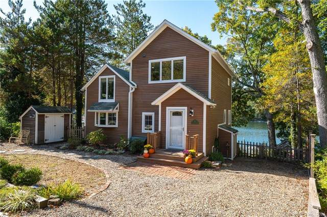 11 Stanton Street, Waterford, CT 06385 (MLS #170446620) :: Alan Chambers Real Estate
