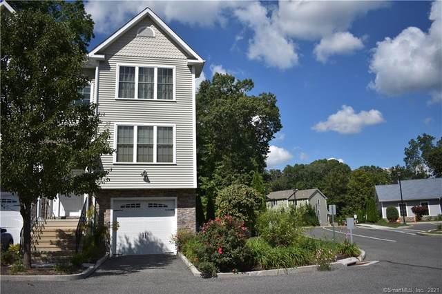 31 Oak Branch Drive #31, Brookfield, CT 06804 (MLS #170447127) :: Forever Homes Real Estate, LLC
