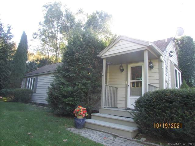 11 Kay Lane, Newtown, CT 06470 (MLS #170447240) :: Linda Edelwich Company Agents on Main