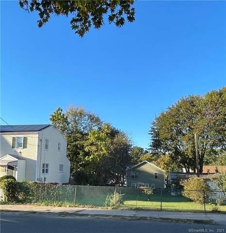 424 Exeter Street, Bridgeport, CT 06606 (MLS #170447339) :: The Higgins Group - The CT Home Finder