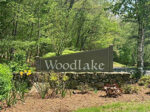 10 Upper Commons #10, Woodbury, CT 06798 (MLS #170448052) :: Michael & Associates Premium Properties   MAPP TEAM