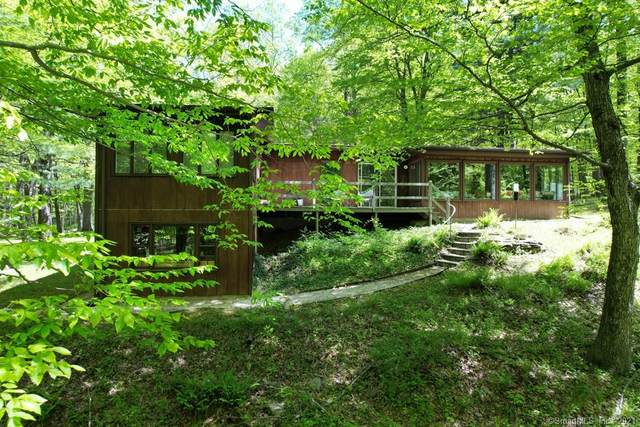 15 Old Bethel Road, Newtown, CT 06470 (MLS #170448263) :: Chris O. Buswell, dba Options Real Estate