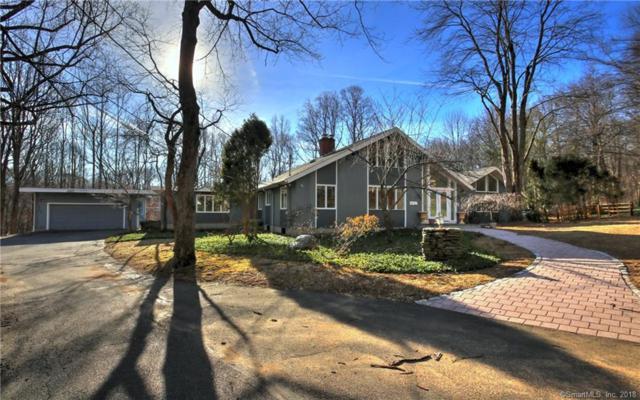 5 Mohawk Lane, Woodbridge, CT 06525 (MLS #170052239) :: Carbutti & Co Realtors