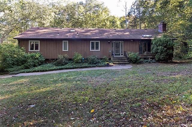 28 Rock Hill Road, Woodbridge, CT 06525 (MLS #170241347) :: Carbutti & Co Realtors