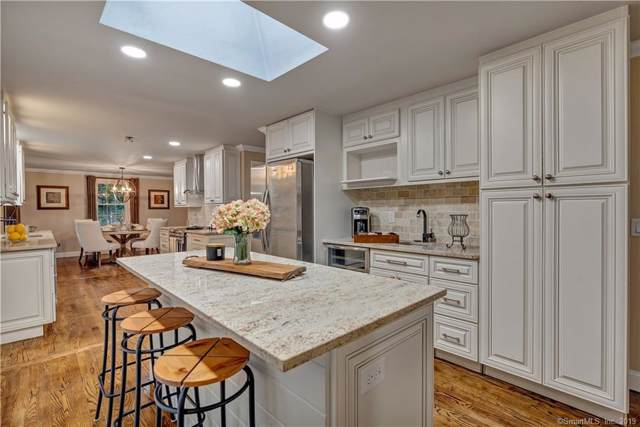20 Hickory Lane, Madison, CT 06443 (MLS #170246486) :: Michael & Associates Premium Properties | MAPP TEAM