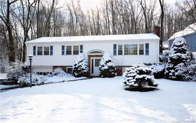 34 Appleblossom Lane, Newtown, CT 06470 (MLS #170256475) :: Michael & Associates Premium Properties | MAPP TEAM