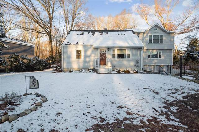 538 Winnepoge Drive, Fairfield, CT 06825 (MLS #170257461) :: The Higgins Group - The CT Home Finder