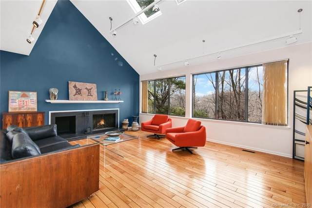 414 W Lyon Farm Drive #414, Greenwich, CT 06831 (MLS #170263323) :: The Higgins Group - The CT Home Finder