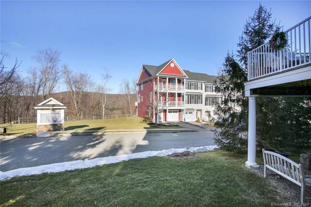 196 Warrington Round #196, Danbury, CT 06810 (MLS #170265982) :: Michael & Associates Premium Properties | MAPP TEAM