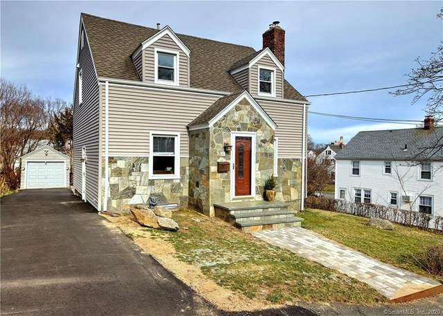 26 Pickwick Street, Fairfield, CT 06825 (MLS #170280044) :: Michael & Associates Premium Properties | MAPP TEAM
