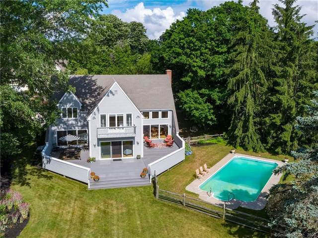 54 Cromwell Place, Old Saybrook, CT 06475 (MLS #170309329) :: Frank Schiavone with William Raveis Real Estate
