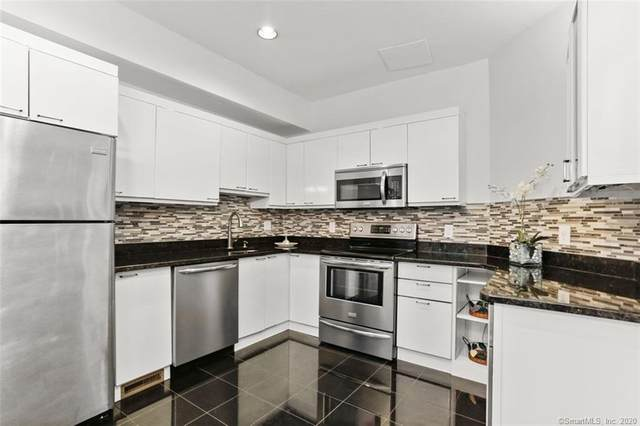 132 Hope Street F, Stamford, CT 06906 (MLS #170323032) :: The Higgins Group - The CT Home Finder