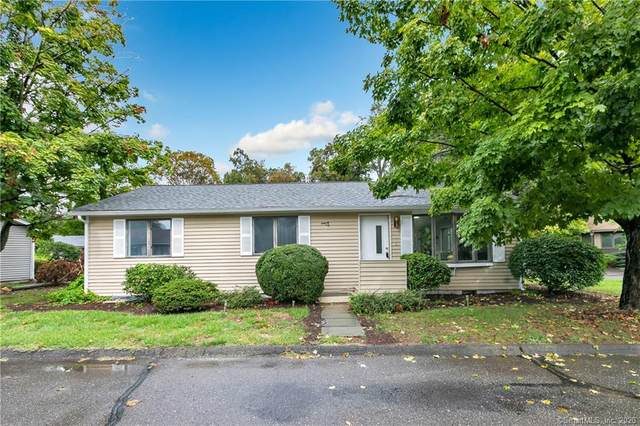 24 Oakview Circle, Westport, CT 06880 (MLS #170336063) :: Around Town Real Estate Team