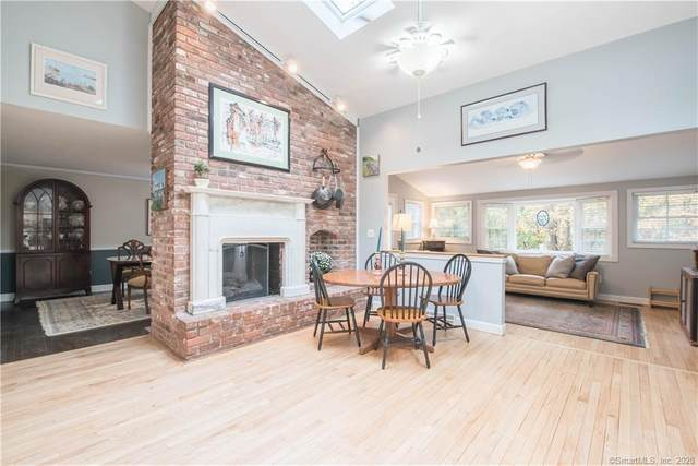 23 Banbury Road, Simsbury, CT 06092 (MLS #170342775) :: GEN Next Real Estate