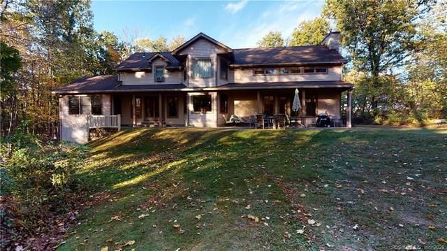 15 Deerfield Drive, Newtown, CT 06482 (MLS #170345016) :: Mark Boyland Real Estate Team