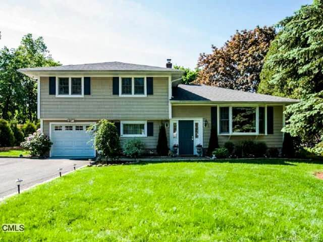 11 Calumet Road, Westport, CT 06880 (MLS #170363886) :: Around Town Real Estate Team