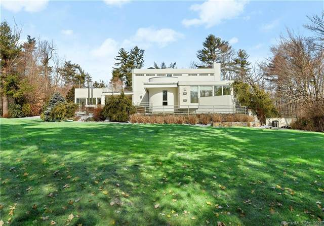 11 Mohawk Lane, Greenwich, CT 06831 (MLS #170369162) :: Forever Homes Real Estate, LLC