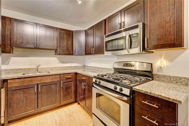 26 Schoolhouse Drive #101, West Hartford, CT 06110 (MLS #170372450) :: Carbutti & Co Realtors