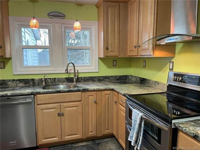 39 Willimantic Turnpike, Coventry, CT 06238 (MLS #170374073) :: Tim Dent Real Estate Group