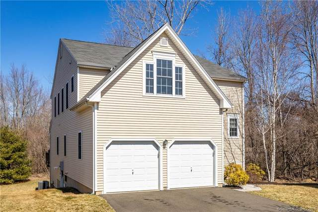 18 Schoolhouse Landing #18, East Granby, CT 06026 (MLS #170380454) :: Around Town Real Estate Team