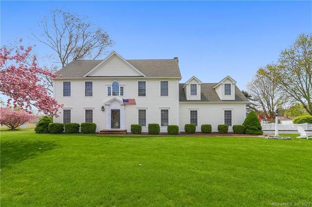 7 Cromwell Court, Old Saybrook, CT 06475 (MLS #170395770) :: Carbutti & Co Realtors