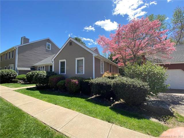 4 Federal Square #4, Mansfield, CT 06250 (MLS #170397567) :: Next Level Group