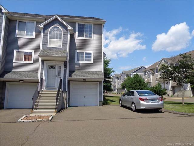 560 Silver Sands Road #2204, East Haven, CT 06512 (MLS #170399789) :: Carbutti & Co Realtors