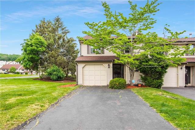 10 Sawmill Crossing #10, Wethersfield, CT 06109 (MLS #170401026) :: Hergenrother Realty Group Connecticut