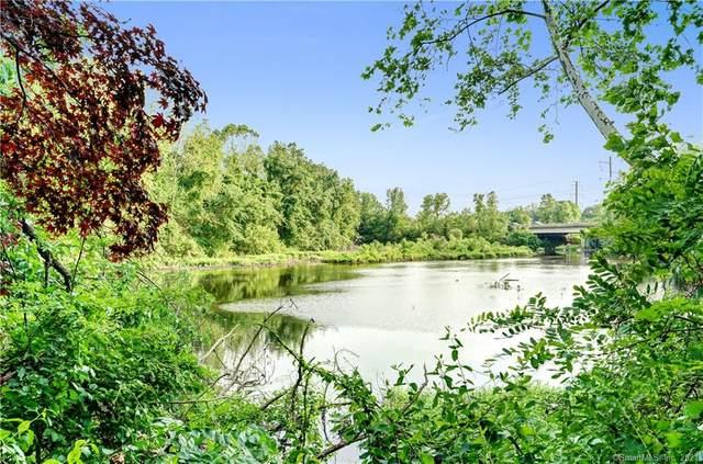 15 Perry Avenue C10, Norwalk, CT 06850 (MLS #170407515) :: Spectrum Real Estate Consultants
