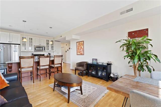 629 Chapel Street 5A, New Haven, CT 06511 (MLS #170418755) :: Linda Edelwich Company Agents on Main