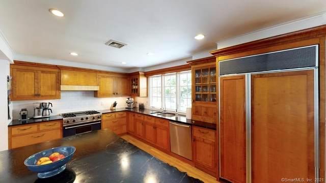 121 Peaceable Street, Redding, CT 06896 (MLS #170421140) :: GEN Next Real Estate