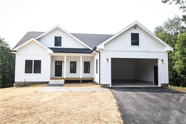 8 Heritage Circle, Thompson, CT 06277 (MLS #170421349) :: Kendall Group Real Estate   Keller Williams