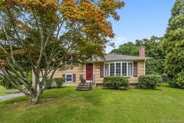 28 Meadow Wood Drive, North Stonington, CT 06359 (MLS #170422531) :: Tim Dent Real Estate Group