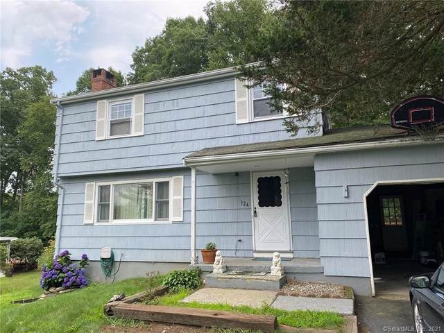 124 Holly Hill Drive, Montville, CT 06382 (MLS #170422605) :: Frank Schiavone with Douglas Elliman