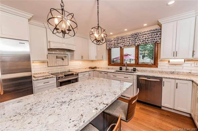 32 Sylvan Ridge #32, Middlefield, CT 06455 (MLS #170432845) :: Chris O. Buswell, dba Options Real Estate
