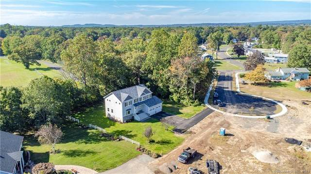 2 Sundown Place, North Haven, CT 06473 (MLS #170433710) :: Chris O. Buswell, dba Options Real Estate
