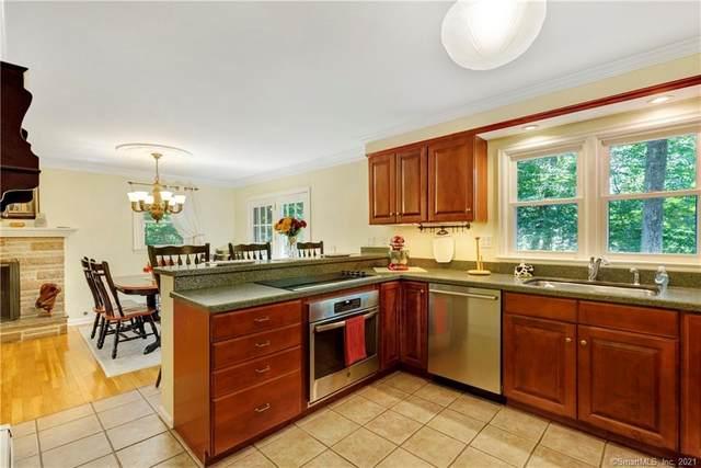 50 Woodland Drive, Essex, CT 06409 (MLS #170438650) :: GEN Next Real Estate