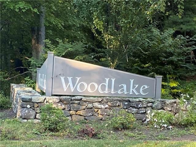 16 Clubhouse Drive #16, Woodbury, CT 06798 (MLS #170439104) :: Michael & Associates Premium Properties | MAPP TEAM