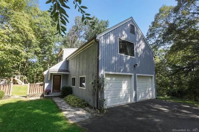 35 Lamppost Drive, Redding, CT 06896 (MLS #170440096) :: Michael & Associates Premium Properties | MAPP TEAM