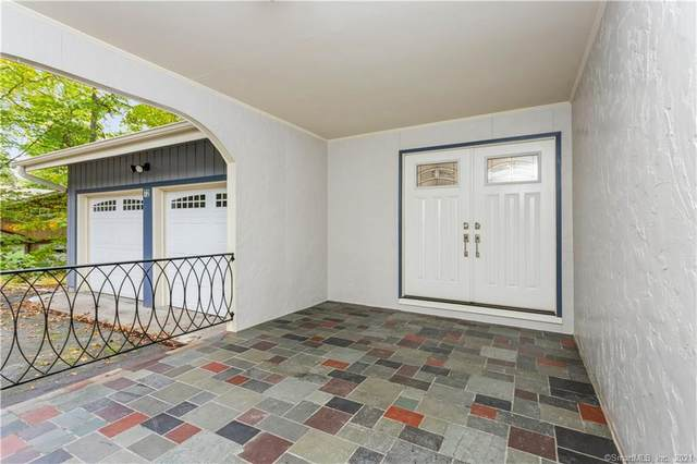 72 Hunting Ridge Road, Stamford, CT 06903 (MLS #170444470) :: Faifman Group