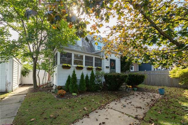 13 Meadowbrook Road, Fairfield, CT 06824 (MLS #170444694) :: Chris O. Buswell, dba Options Real Estate