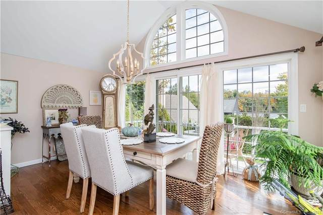 209 Mamanasco Road #209, Ridgefield, CT 06877 (MLS #170444939) :: Alan Chambers Real Estate