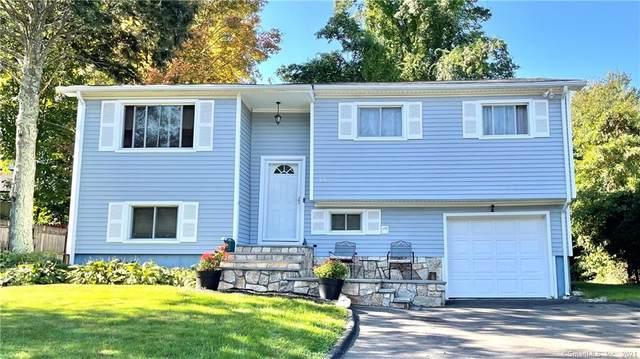 15 Country Club Road, Norwalk, CT 06851 (MLS #170445351) :: Michael & Associates Premium Properties | MAPP TEAM