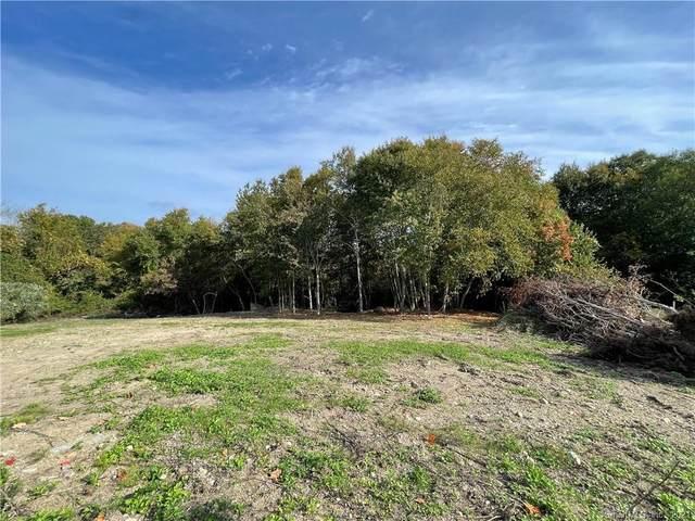 9 Lindsay Lane, Stonington, CT 06379 (MLS #170445390) :: Chris O. Buswell, dba Options Real Estate